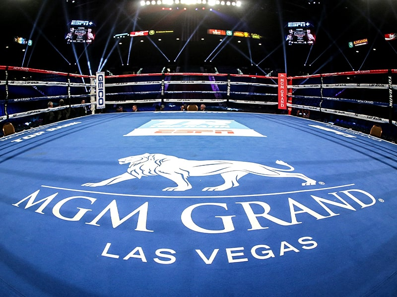 Las Vegas boxing returns